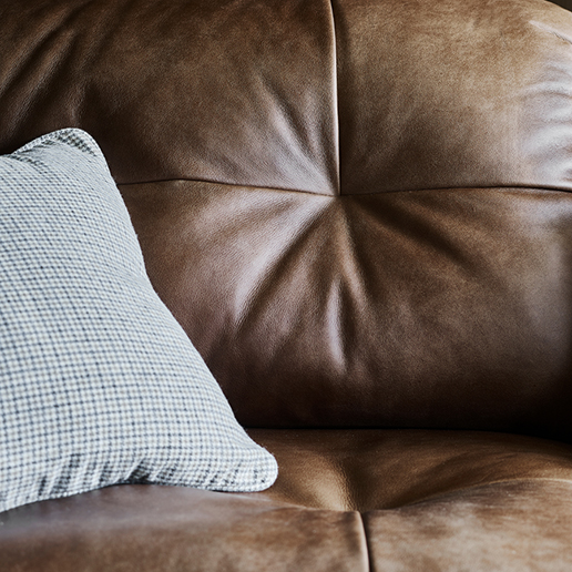 Alexander and James Sofas Bailey Collection Leather Sofa Detail 2