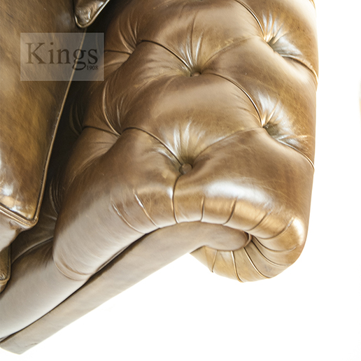 Duresta Connaught Chesterfield Sofa in Walnut Leather df