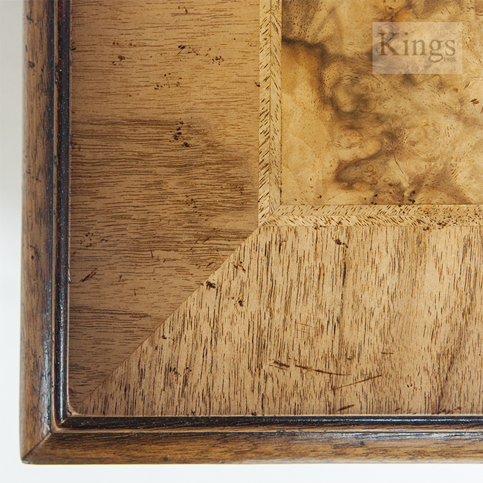 Iain James Furniture Amc276 Walnut Round Table Kings